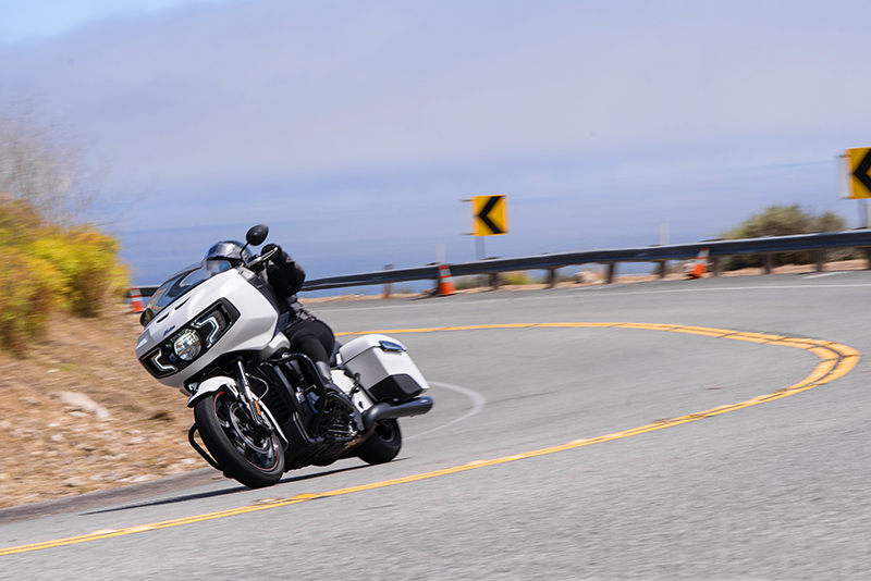 review 2020 indian motorcycle challenger dynamic traction control