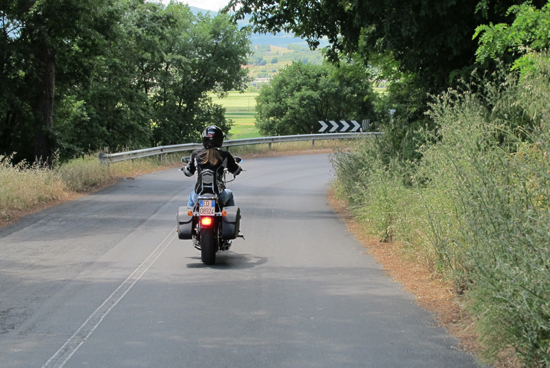 10 lane positioning tips motorcycle blind corner