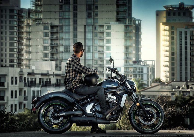 motorcycle review 2015 kawasaki vulcan s man posing