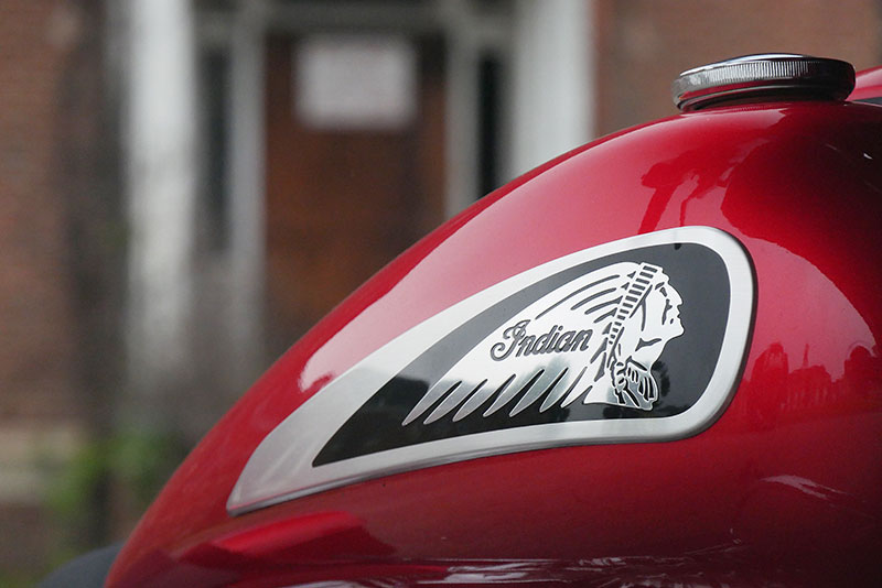 Review: 2019 Indian Motorcycle Chieftain Limited_tank_badge