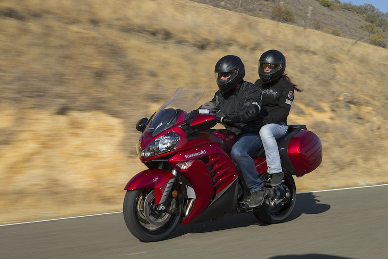 11 things you can do on a motorcycle you cant do in a car passeger