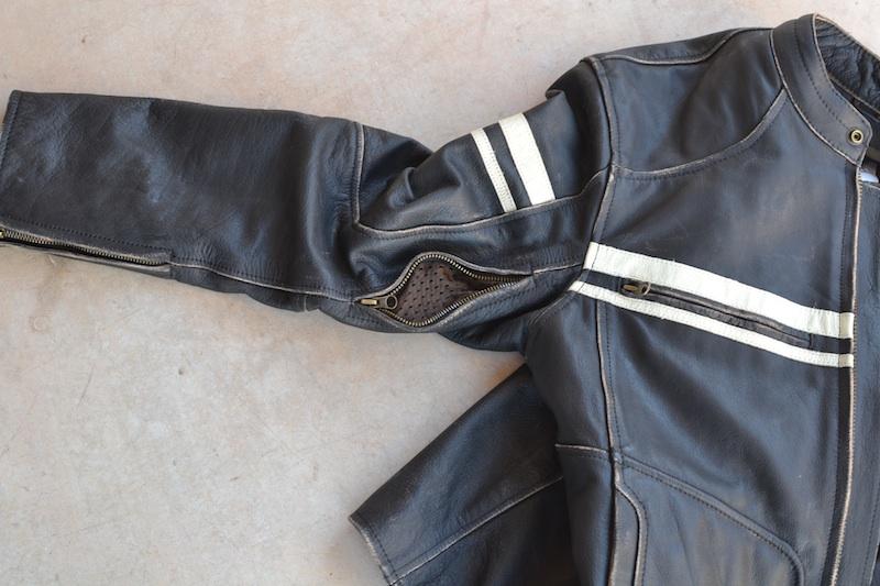 Clothing Review River Road Men's Hoodlum Jacket arm vent