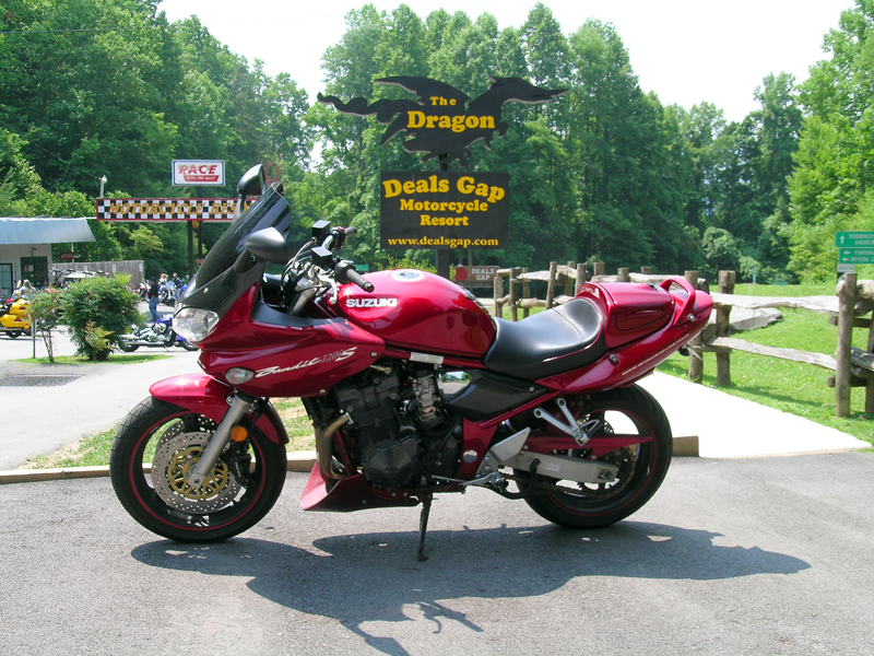 4 bucket list motorcycle rides in the east dragon deals gap sign