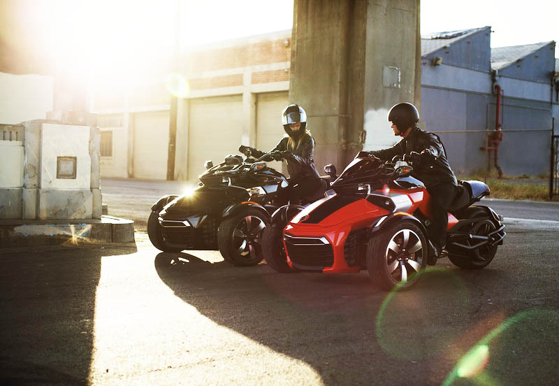 10 Motorcycles We're Excited About in 2015 CSC Can-Am Spyder F3