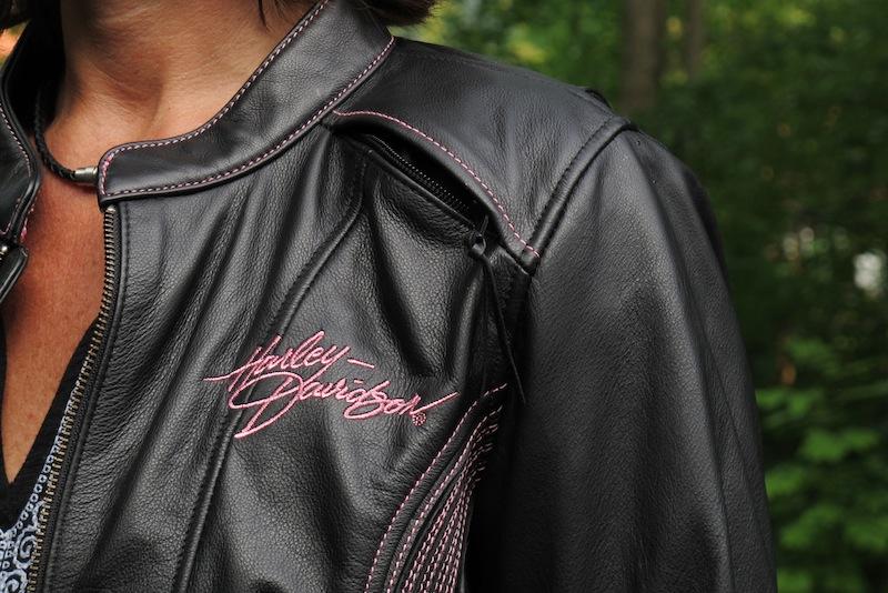 Review Harley-Davidson Pink Label Jacket, Chaps, Gloves Shoulder Vent