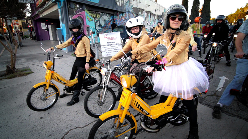 the gaskettes review girls mopeds