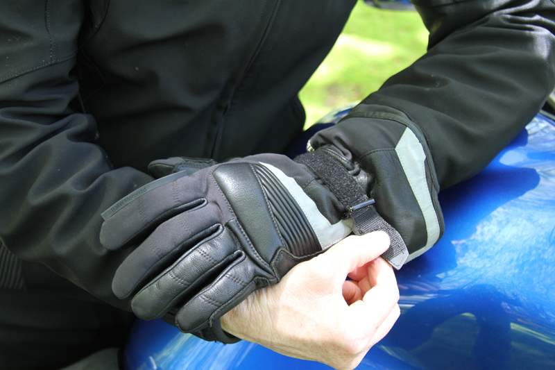 review gloves for warm and cold motorcycle riding wrist adjustment