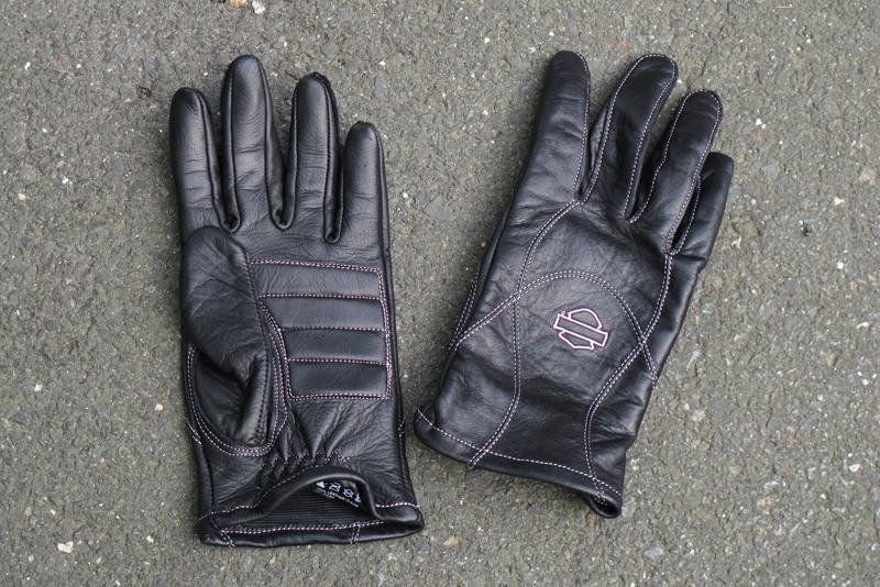 Review Harley-Davidson Pink Label Jacket, Chaps, Gloves Pink Logo