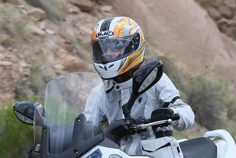 Helmet Reivew HJC FG-17 clear shield