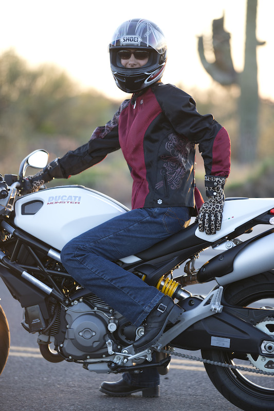 Review Sliders Bella Jeans With Kevlar and Armor Ducati