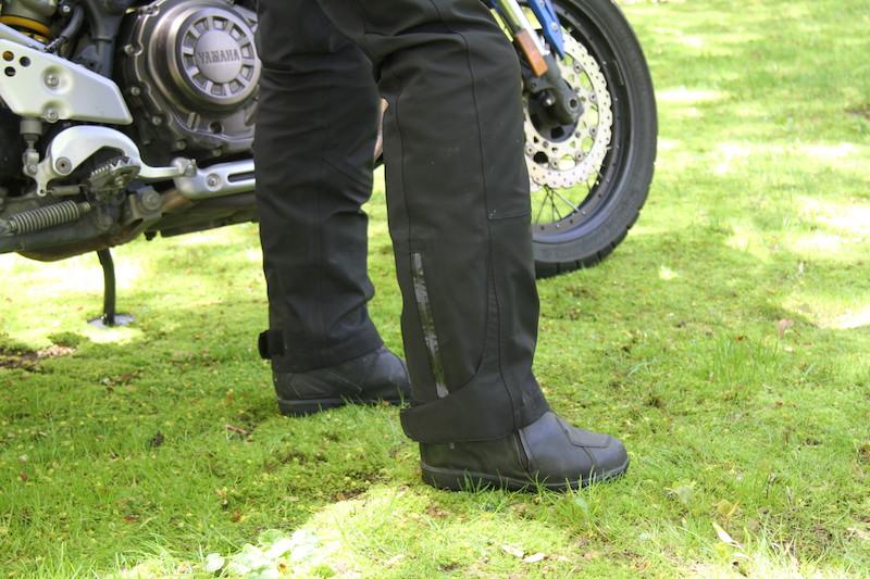 Clothing Review BMW TourShell Pants zipper