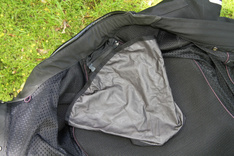 Clothing Review BMW TourShell Jacket collar pocket