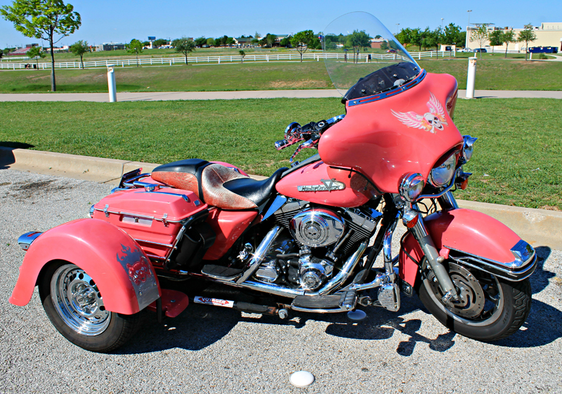 pink motorcycles shelly voyager trike road king