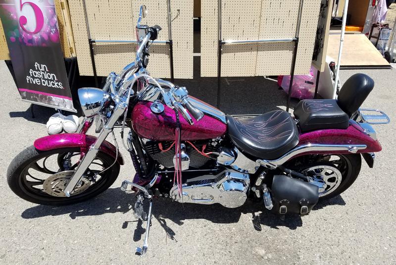 pink motorcycles harley davidson deuce