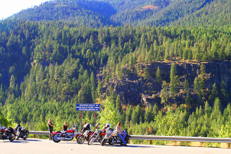 11 things you can do on a motorcycle you cant do in a car scenic pull off
