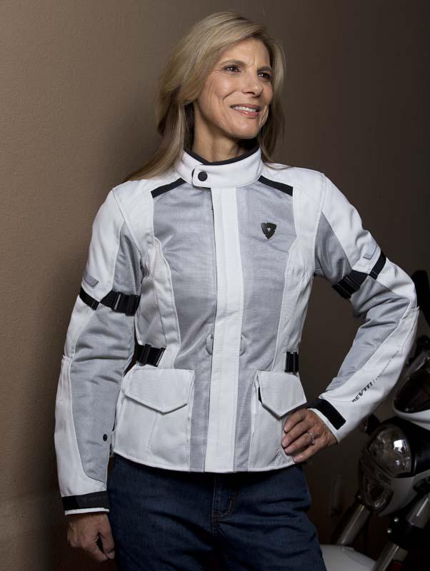 Review REVIT! Levante Jacket for Women Riders front