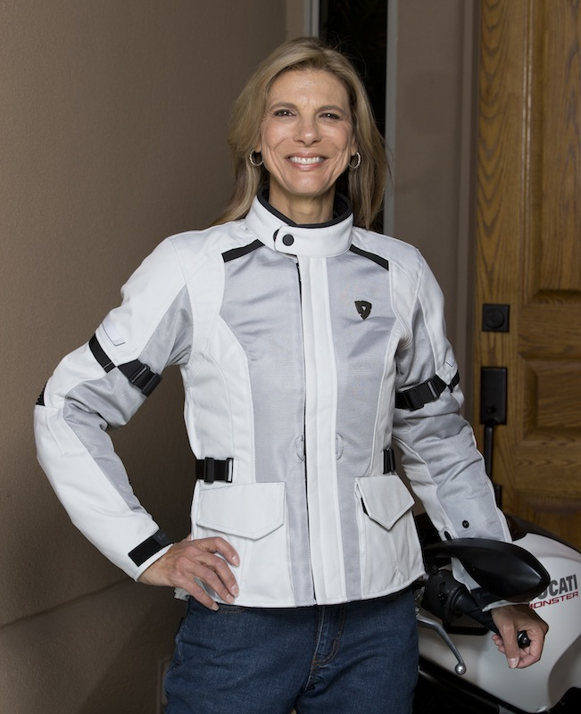 Review REVIT! Levante Jacket for Women Riders Genevieve Schmitt