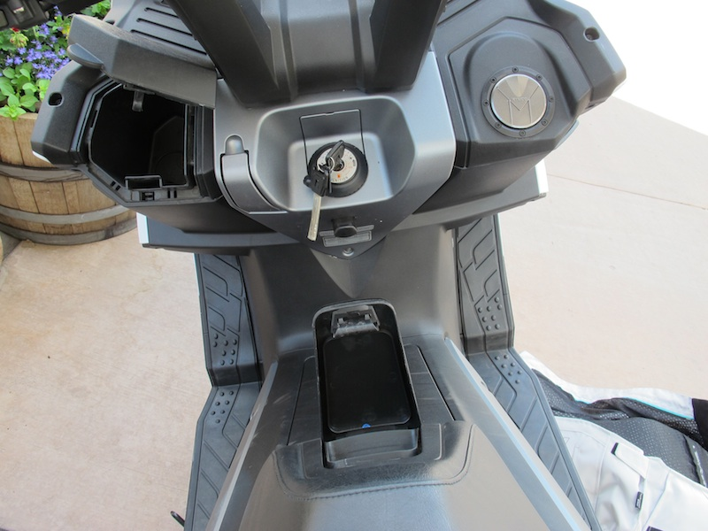 Scooter Review Kymco MyRoad 700i storage compartments