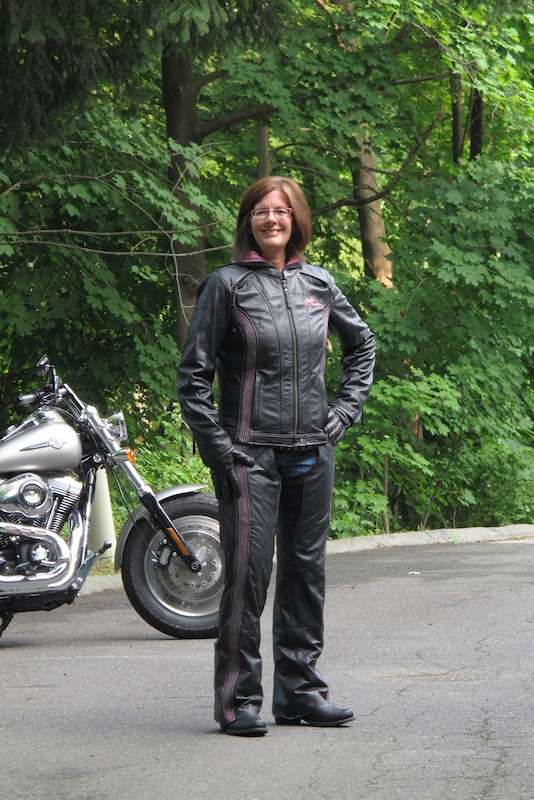 Review Harley-Davidson Pink Label Jacket, Chaps, Gloves Outfit