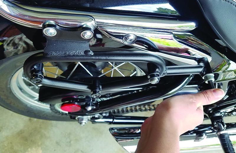 reader review sw-motech legend gear saddlebags install brackets triumph bonneville