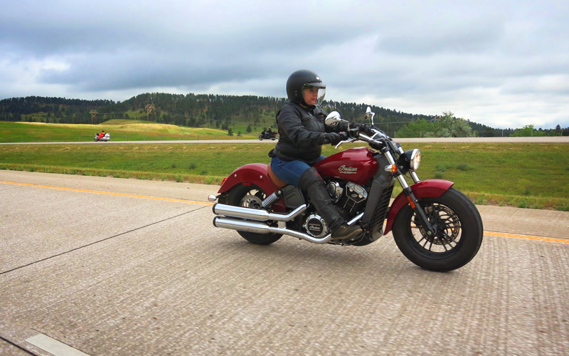 motorcycle review Indian Scout 2015 sash walker