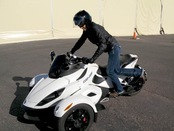 Review Can-Am Spyder RS-S Mounting
