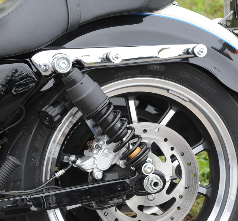 review harley davidson sporter superlow 1200T rear shock