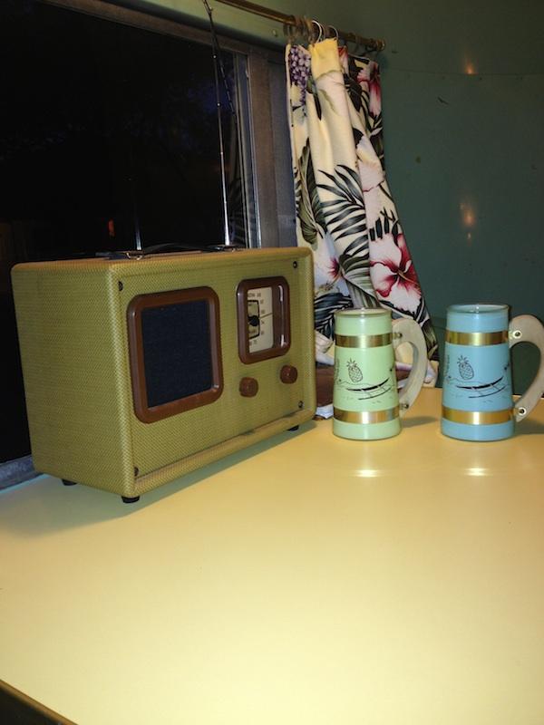 Review Shady Dell Bisbee Arizona transistor radio
