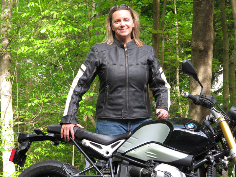 review vintage styled leather womens motorcycle jacket front