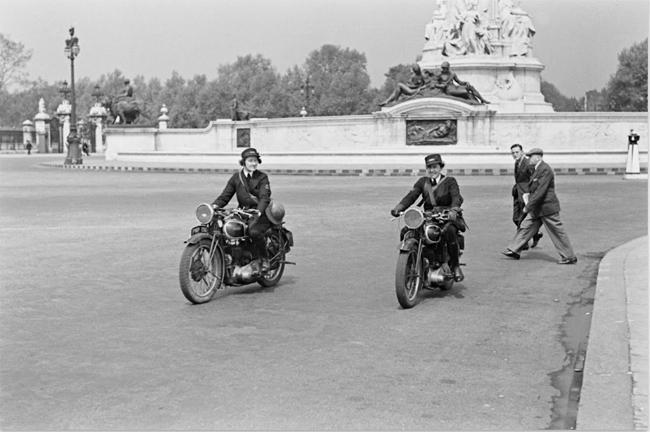 Pioneers Female Dispatch Riders of World War II two bikes