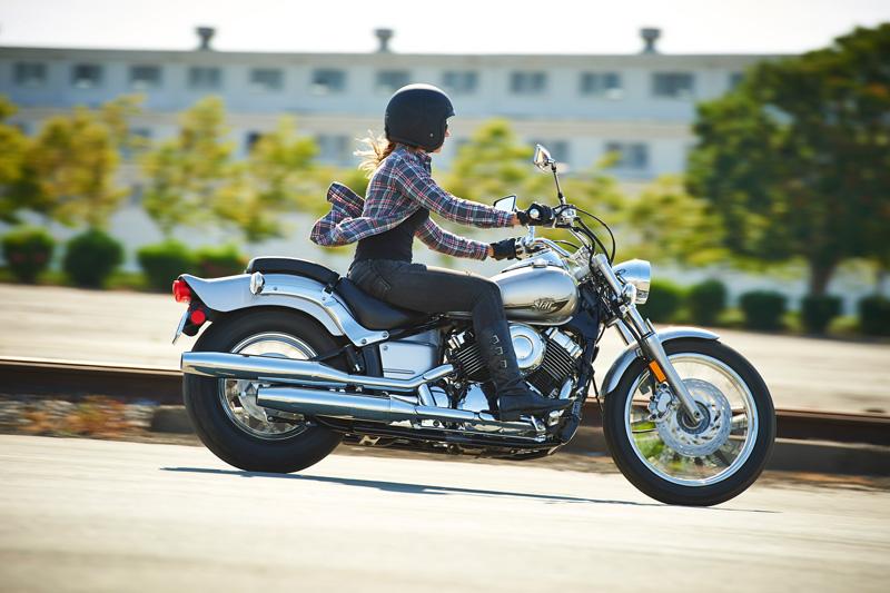 top 10 motorcycles women ride harley davidson v star 650