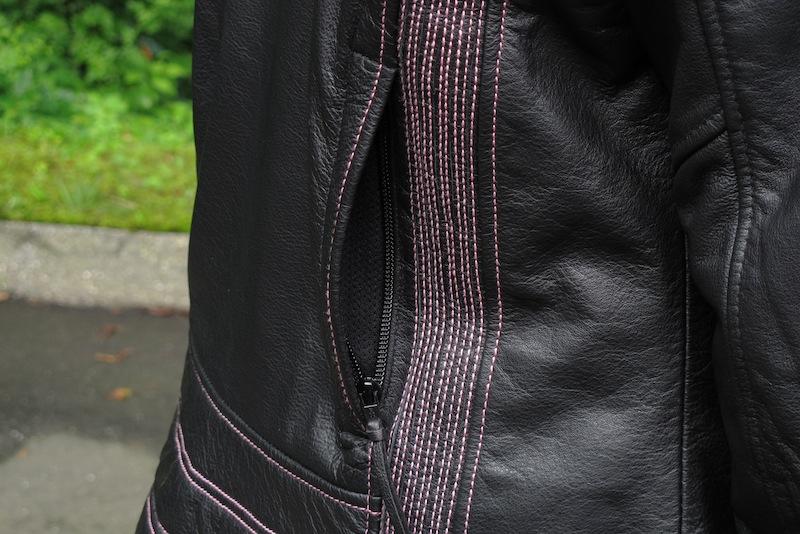 Review Harley-Davidson Pink Label Jacket, Chaps, Gloves Rear Vents