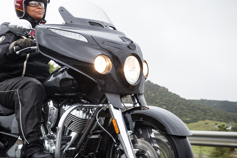 review 2017 indian motorcycle chieftain limited elite headlight