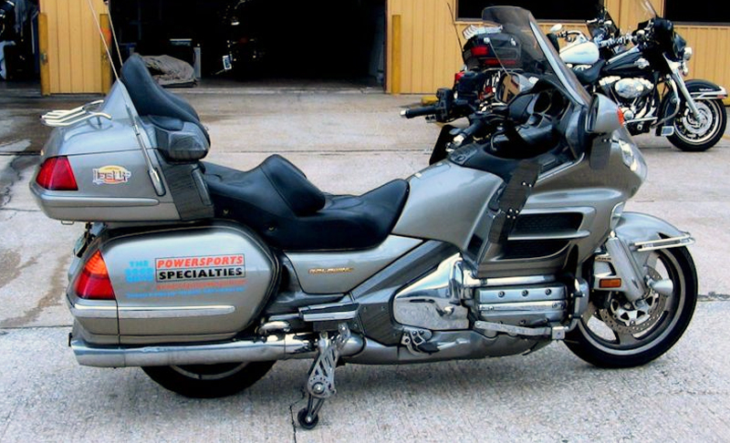 retractable wheels add confidence when stopping gold wing