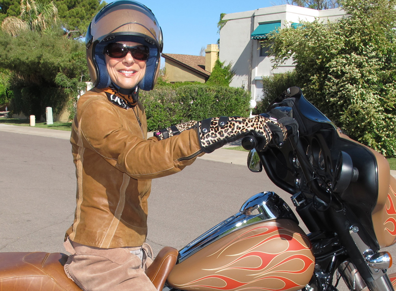6 ways to attract more women in motorcycling icon leopard gloves