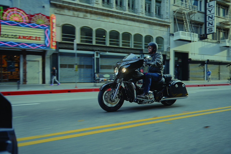 review 2017 indian motorcycle chieftan limited elite male rider