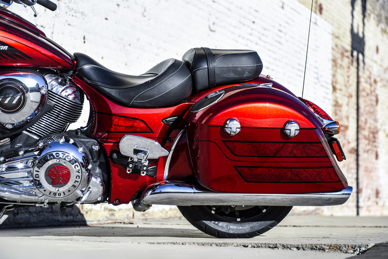 review 2017 indian motorcycle chieftain limited elite passenger floorboard