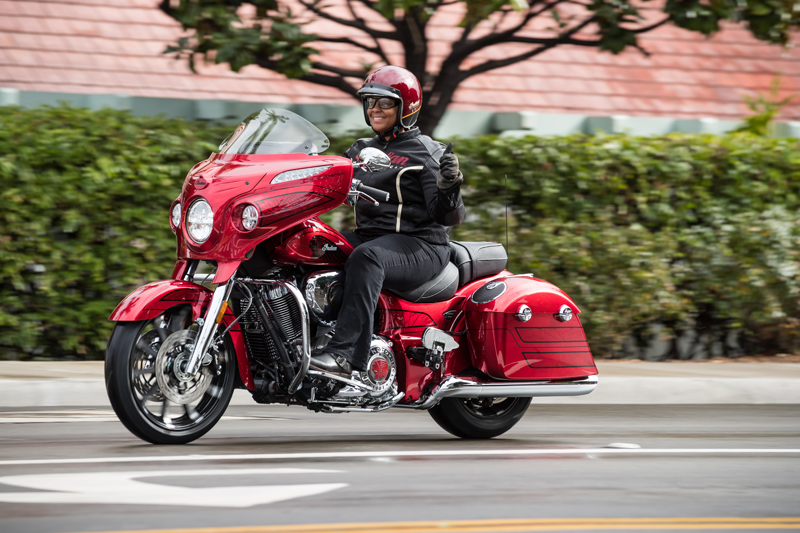 review 2017 indian motorcycle chieftain elite red