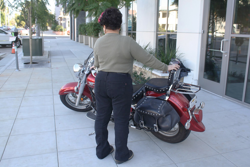 review gravitate jeans designed for motorcycle riders and passengers curves