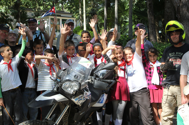 all women motorcycle tour in cuba locals