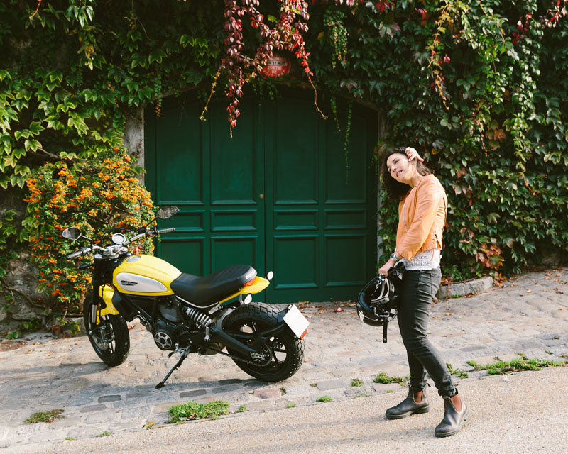 10 things to expect when starting to ride a motorcycle helmet hair