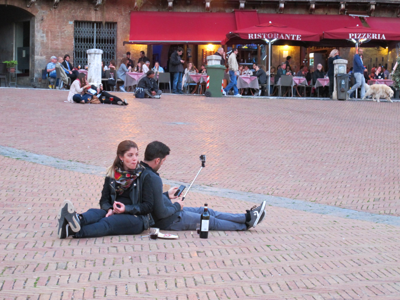 why you should ride a motorcycle in italy once in your life piazza del campo