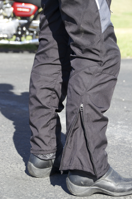 review dainese d-dry tempest jacket and pants leg zipper
