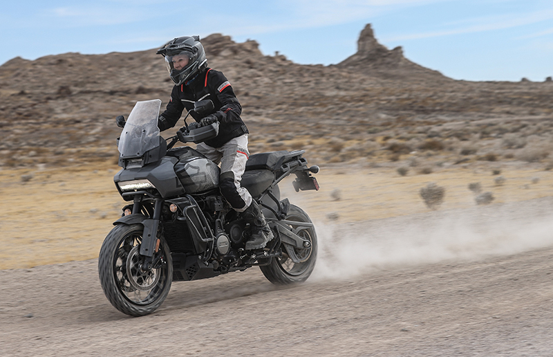 15_riding-dirt