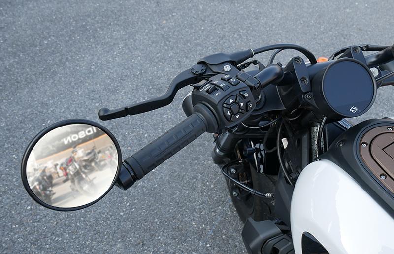Harley-Davidson Sportster S left hand controls