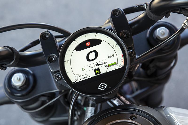 Harley-Davidson Sportster S TFT display