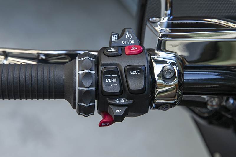 In addition to the BMW multi-controller, the R 18 B and Transcontinental also use a single menu button on the left hand controller. The button toggles through a few basic items like the odometer and trip meters.