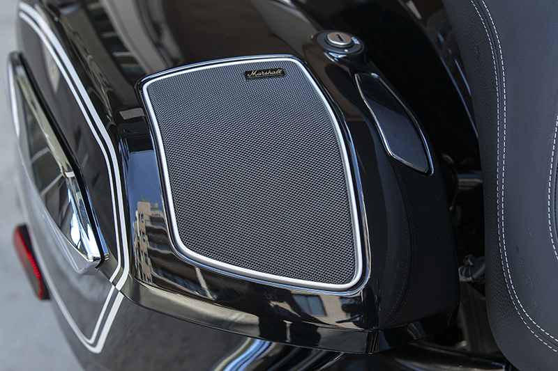 Marshall Gold speakers (offered as part of the R 18 B's $2,800 Premium Package) are integrated into the saddlebag lid and sacrifice only 0.5 liters of space.